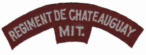 The Régiment de Chateauguay (Mitrailleuses) Second World War era embroidered shoulder title.