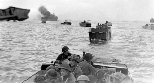 Royal Winnipeg Rifles running up to the beach on D-Day.