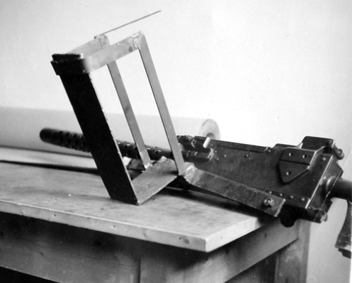 An example of the feed tray, which held one box of .30-calibre belted ammunition, of the simple .30-calibre Browning machine gun pintle mounting device, which Captain's Duncan, and Rook, had designed. MilArt photo archives