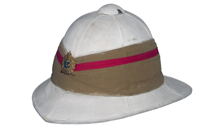 In 1911 the Wolesley pattern helmet replaced the Uiversal pattern. The Corps of Guides were allowed to continue using the distinctive pugaree. JVT Collection