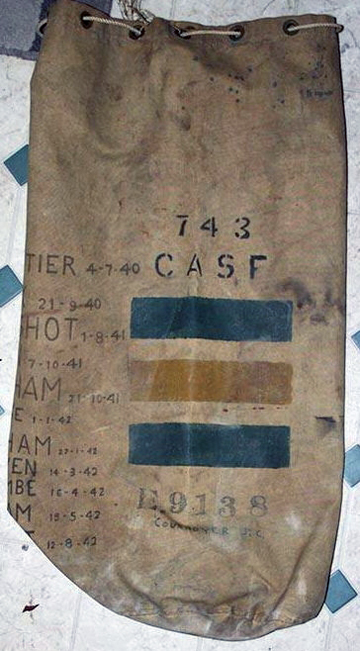 The number '743' identifies the kitbag owner as a member of Le Regiment de la Chaudiere. Source: Courtesy of Pascal Auger